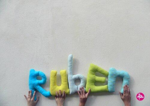 ruben 2,mot en tissu,mot decoratif,cadeau de naissance,decoration chambre d'enfant,cadeau personnalise,cadeau original,poc a poc blog 2