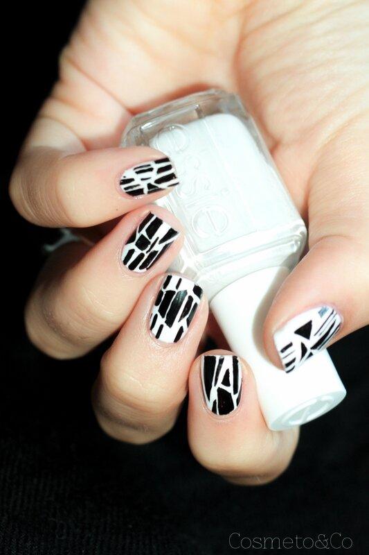 nail art graphique noir et blanc sandro-13
