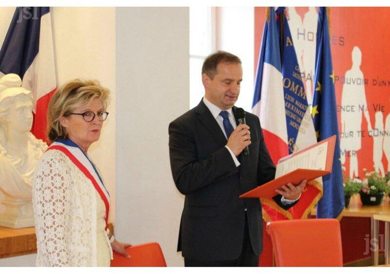 lecture-de-la-charte-en-polonais-(photo-remy-derain)-photo-remy-derain-1473838232