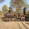 Vieille locomotive à vapeur du temps des Français