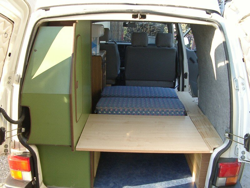 9 le lit les mousses la penderie vw transporter t4 am nagement camping car gilles zephir83. Black Bedroom Furniture Sets. Home Design Ideas
