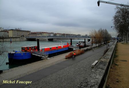 12) berges du Rhône