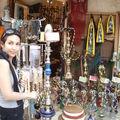 Un narguilé...lointain vestige de l'époque ottomane que l'on fume ici aromatisé d'une lichette d'Ouzo...