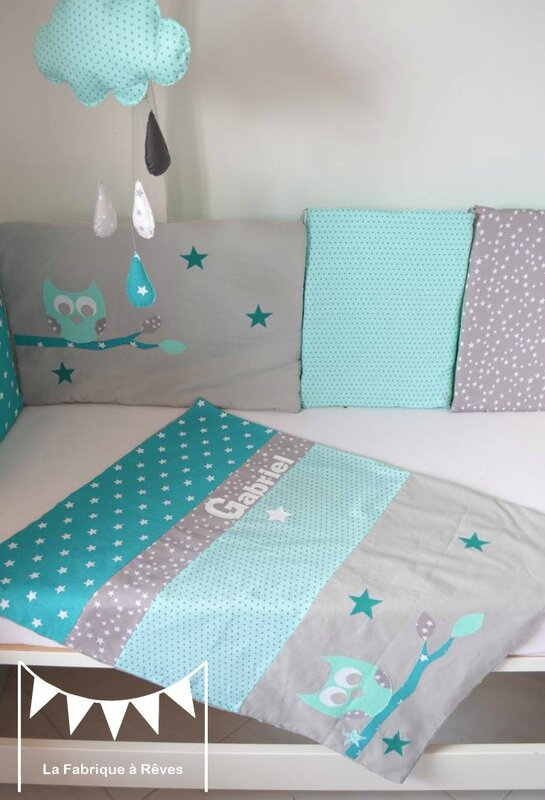 Chambre bebe bleu turquoise vert anis for Chambre taupe et vert