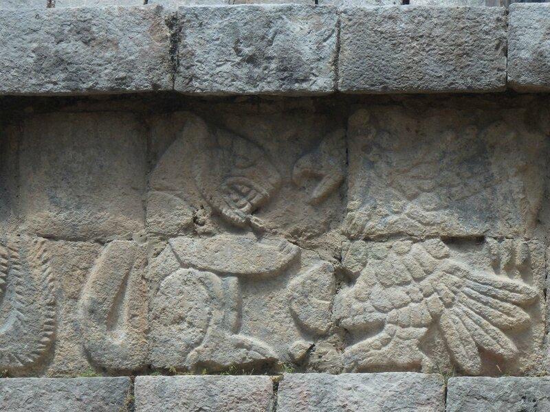 P4095288 - El palacio de las Columnas Esculpidas (4)