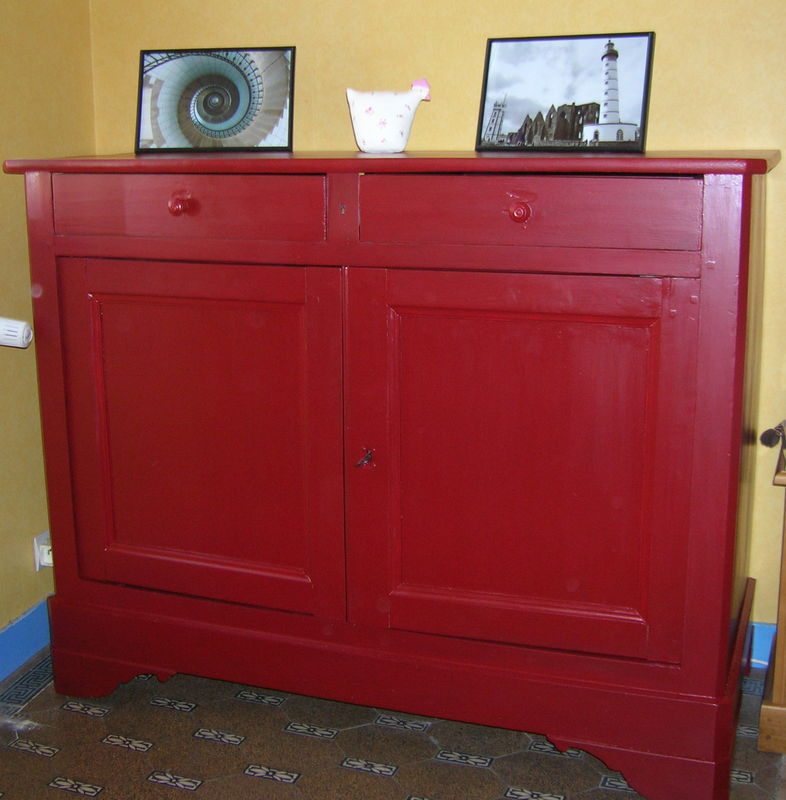 buffet rouge basque patchworks broderies tricots d copatch et autres cr ations. Black Bedroom Furniture Sets. Home Design Ideas