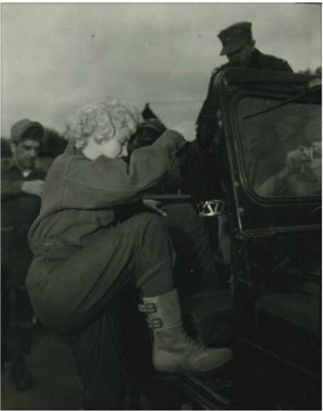 1954-02-16-3_seoul-base_K16-jeep-010-1