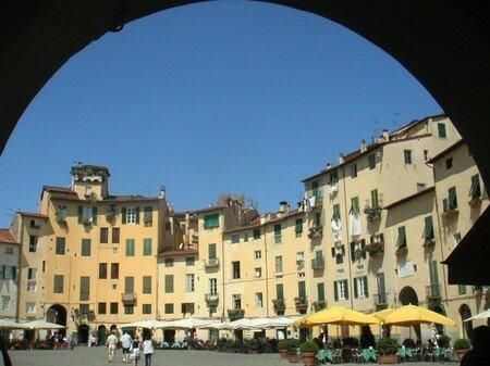 villes_piazza_centro_toscane_lucca_566647
