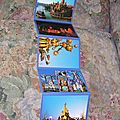 Lot de 9 cartes postales disneyland paris.