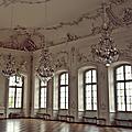 Rassemblement de lustres baroques...