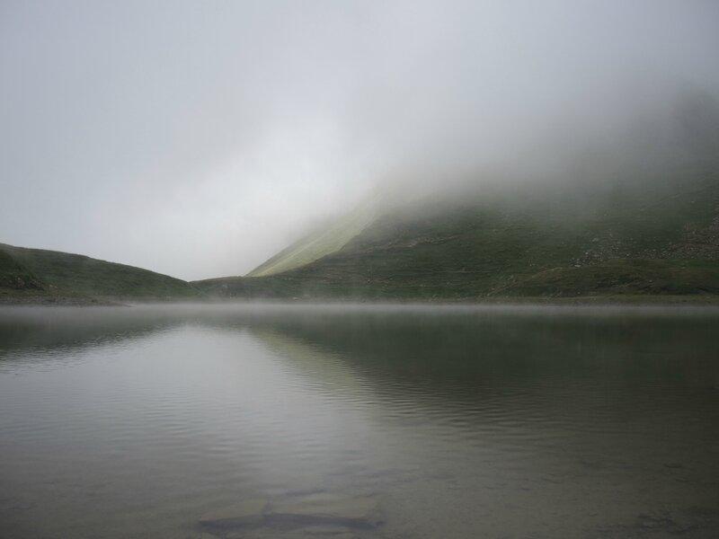 Lac du Montagnon, le lac, brouillard