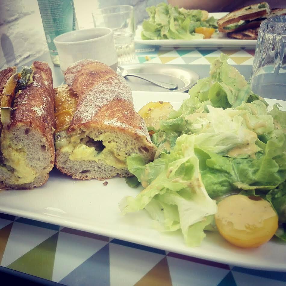 LIEGE - Les Voisines... une des tables plus agréables de Liège !