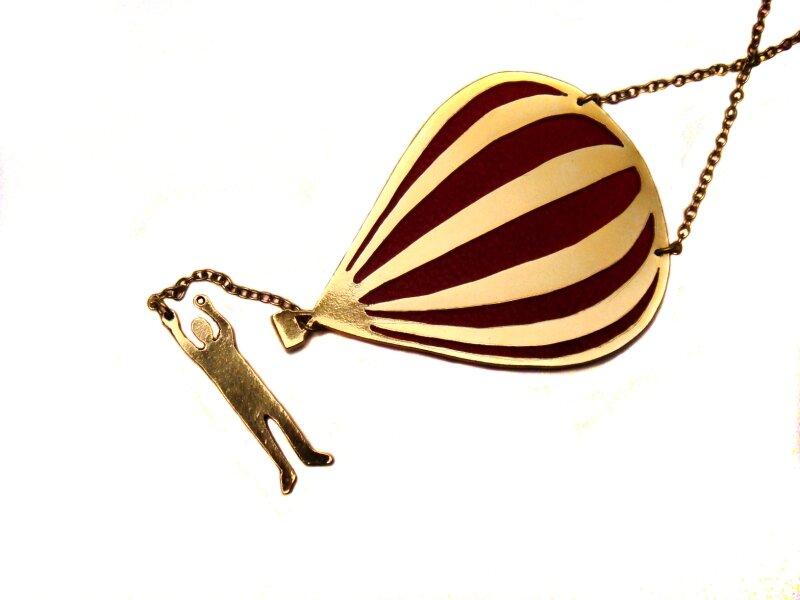 5- zoom sautoir montgolfière plaqué or cuir rouge
