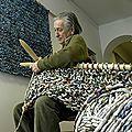 Ivano vitali l'homme qui tricote du papier