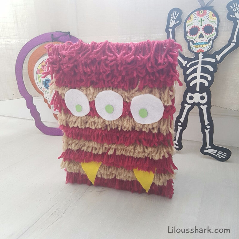 customiser un cahier en monstre halloween tuto diy