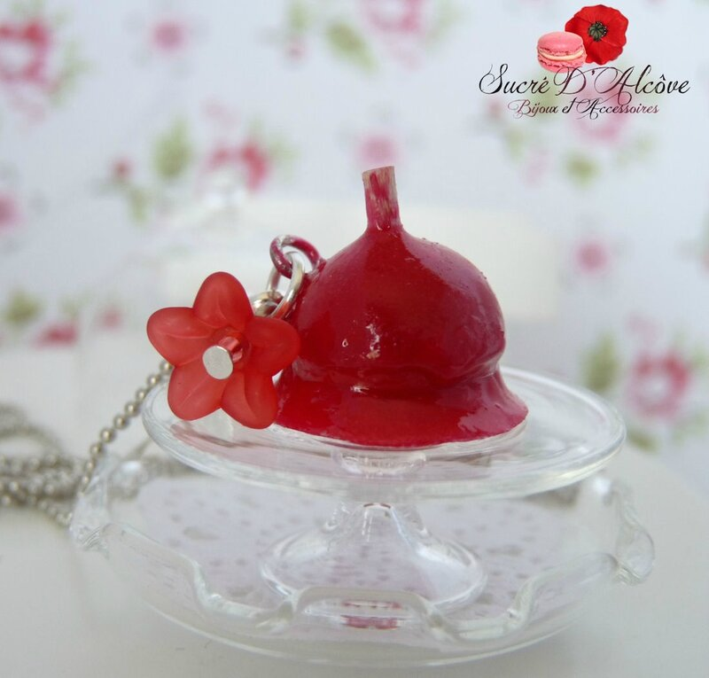 Collier gourmand pomme d'amour (1)