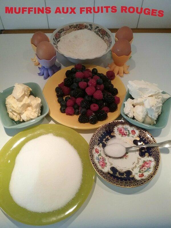 Muffins super moelleux aux fruits rouges 034