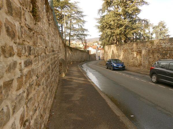 rue Dugas-Montbel 2