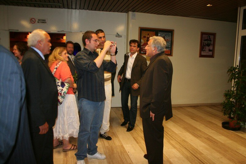 DSK et militants avant réunion publique Franconville