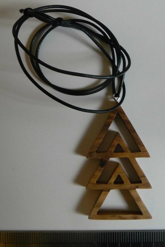 Collier triple triangle