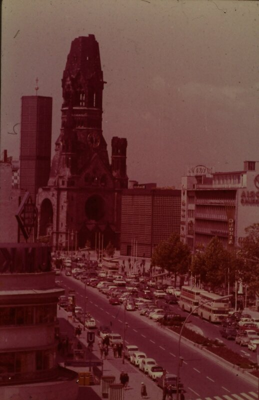 BERLIN EGLISE DU SOUVENIR 1970