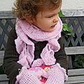 Echarpe et mouffles au crochet