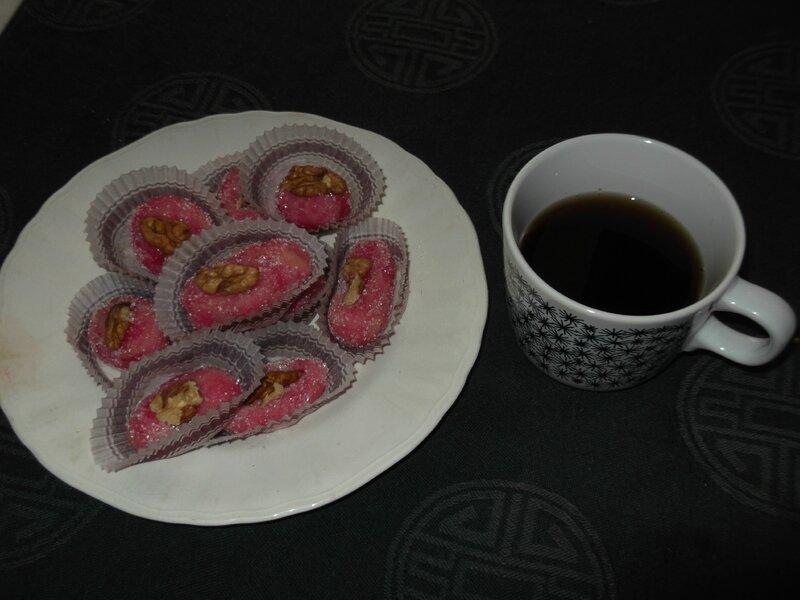 thé de noël avec fruits déguisés