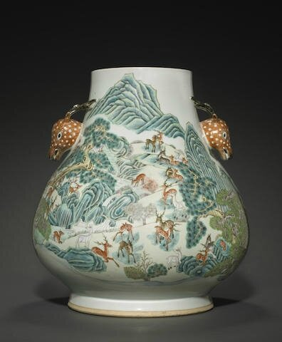 A large polychrome enameled 'Hundred Deer' vase, Late Qing-Republic period