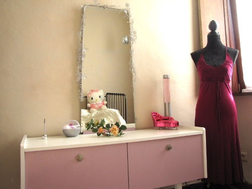 Chambre ado coiffeuse relooking decoration hello kitty 2 - Relooking chambre ado ...