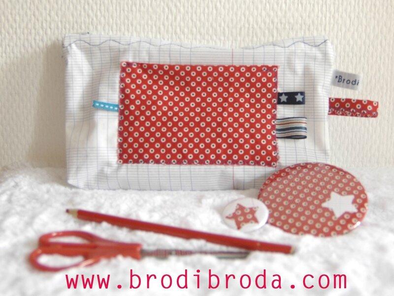 Brodi Broda-trousse-miroir de poche-badge personnalisé-cadeau maîtresse avec prénom4