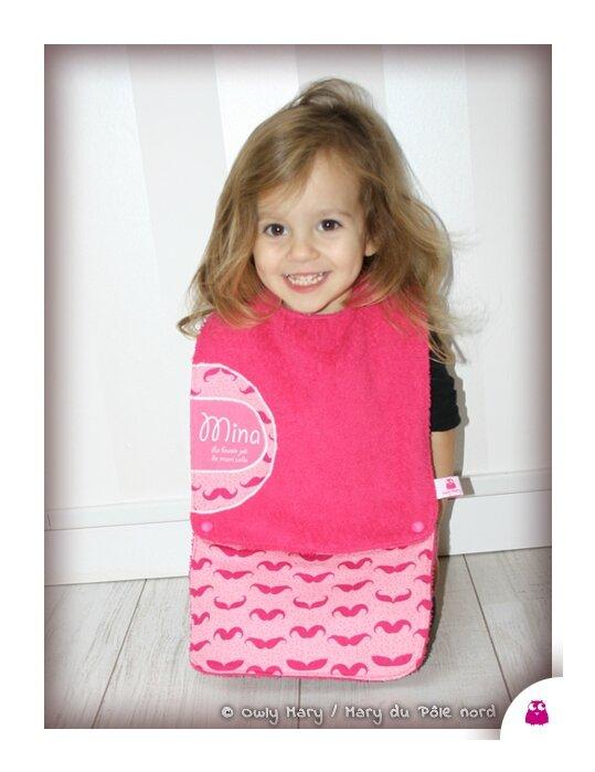 IMG_4741-MINA-owly-mary-du-pole-nord-bavoir-fille-mixte-bebe-bavette--essuie-bouille-amovible-rallonge-rose-fuchsia-fuschia-moustache