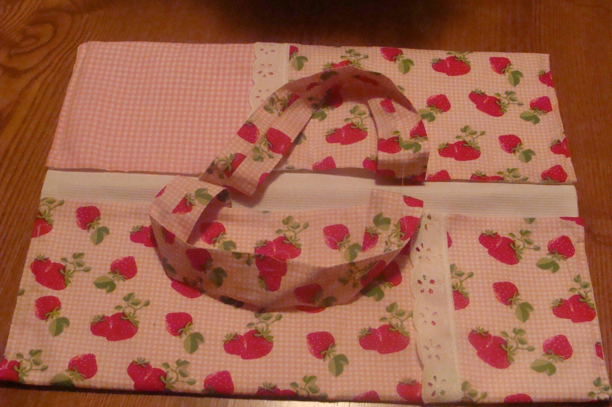"""sac à tarte """"avec des fraises"""""""