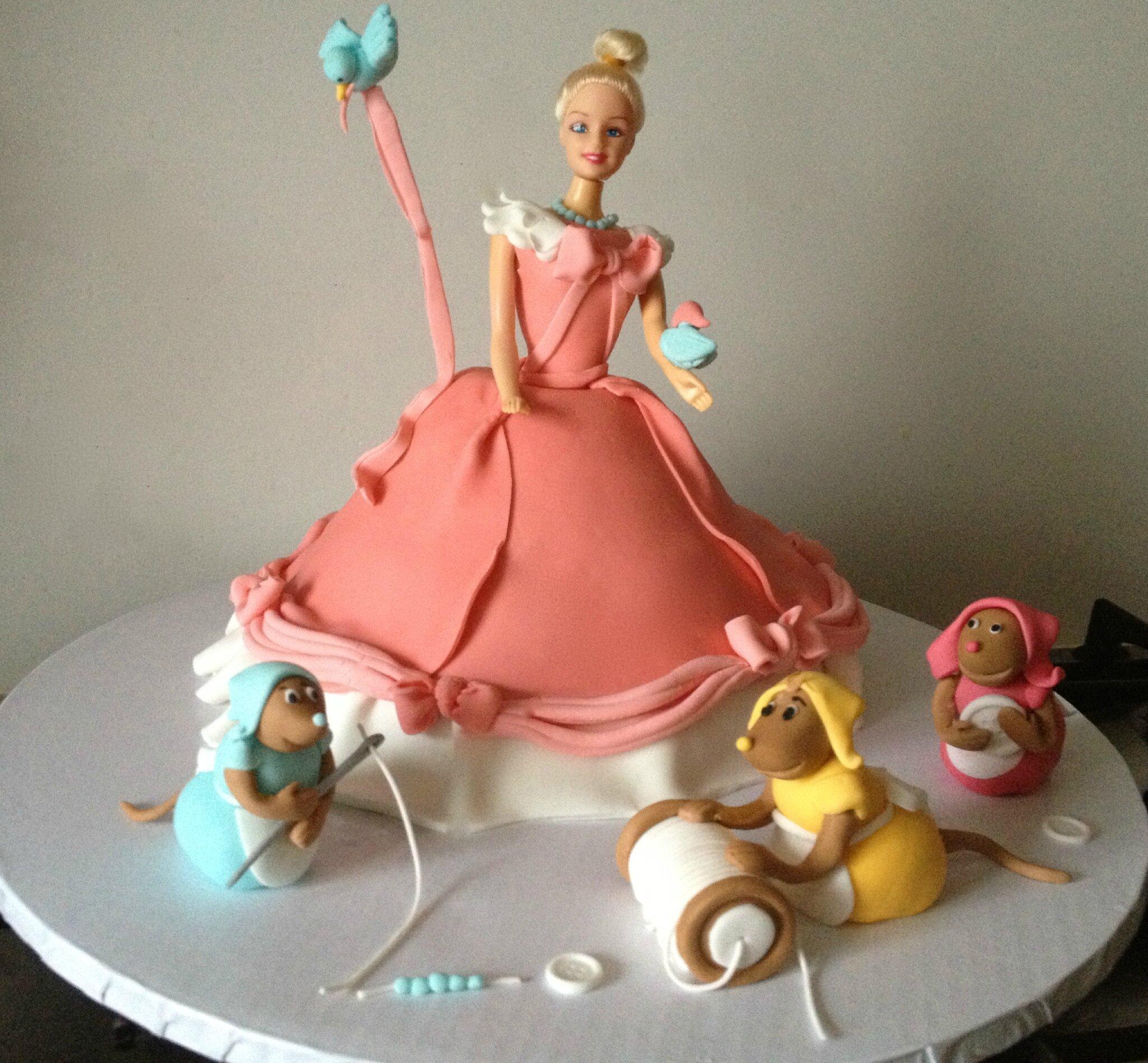 Gravity cake : La robe de Cendrillon