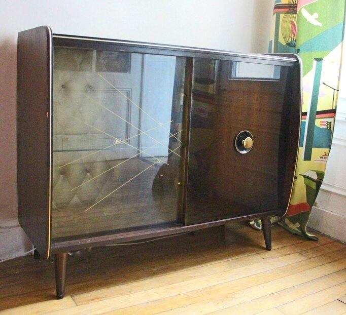 retour de chine. Black Bedroom Furniture Sets. Home Design Ideas