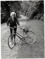 1956-08-13-MONROE__MARILYN_-_1956_AUG_13_WINDSOR_GREAT_PARK_UK496