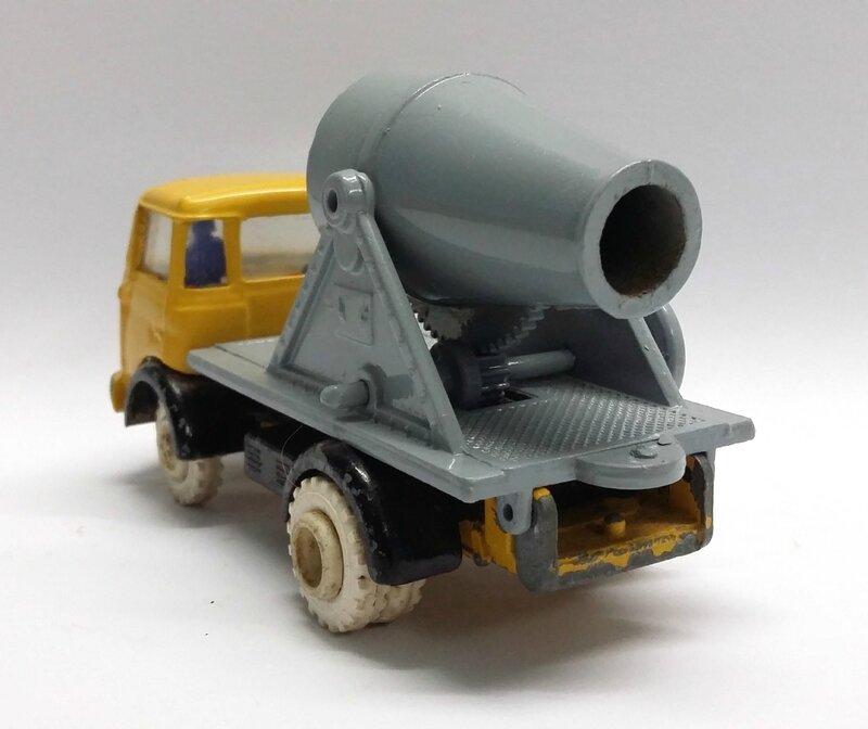 #107-Berliet GAK béton (3)
