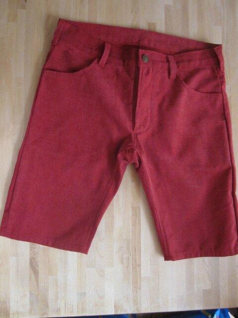 Bermuda slim HOMME en coton peau de pêche framboise - 4 poches - braguettes à boutons (3)