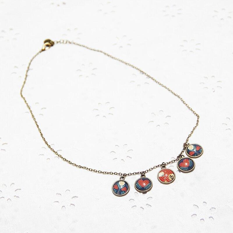 lisa 19 collier cabochons vintage fleur bronze rouges blanches grises @bijoux colorés par louise indigo (2)