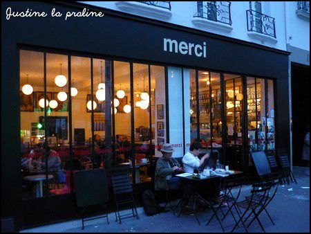 boire un th au restaurant du concept store merci paris justine la praline. Black Bedroom Furniture Sets. Home Design Ideas