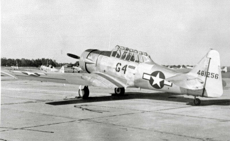 22Juncas-Pierrot-pilote-chasse-USA3-1945