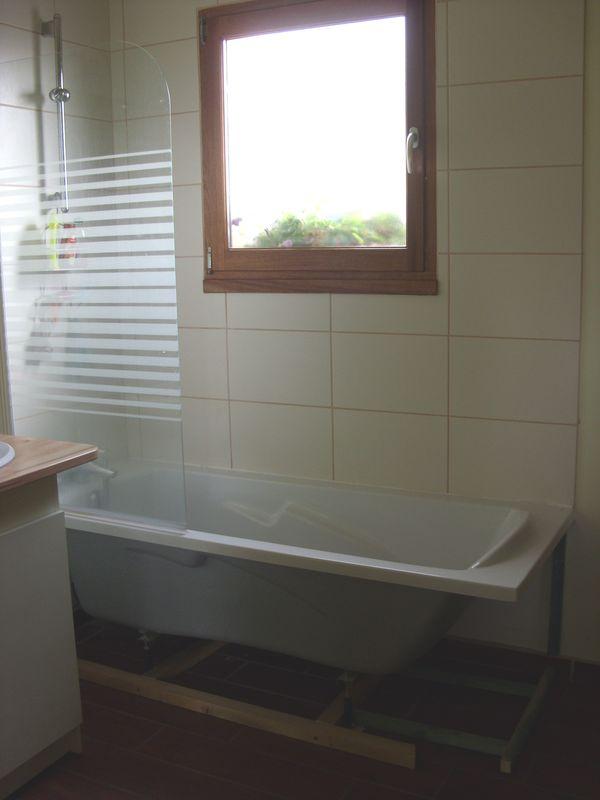 jupe de baignoire notre cabane en bois. Black Bedroom Furniture Sets. Home Design Ideas