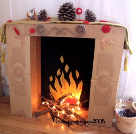 decoration de noel cheminee en carton. Black Bedroom Furniture Sets. Home Design Ideas
