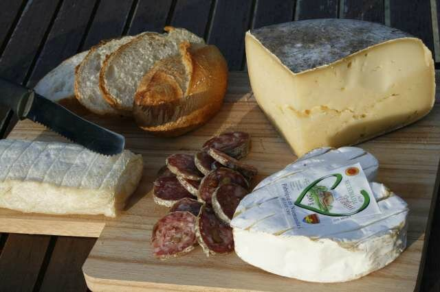 fromages_saucisson_pain_france