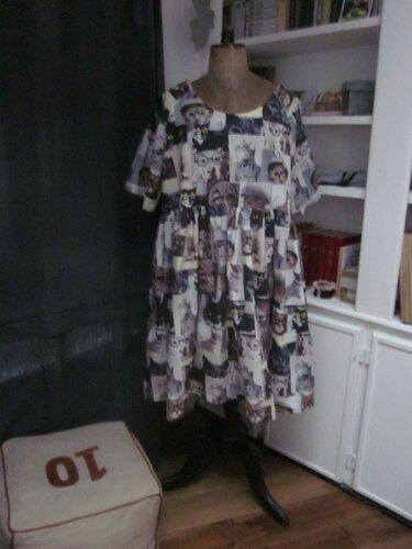 """Une robe RAYMONDE imprimé """"chats"""" pour Marie-Claude... Et le patron pour vous à l'Aiguille En Fête..."""