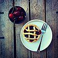 Mini balsamic cherry pies (tartelettes aux cerises et balsamique)