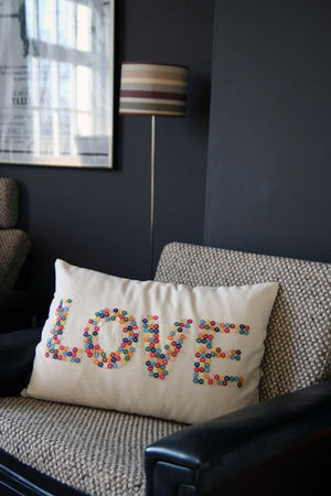 button_love_cushion_1_
