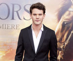 jeremy_irvine_war_horse_premiere_featured