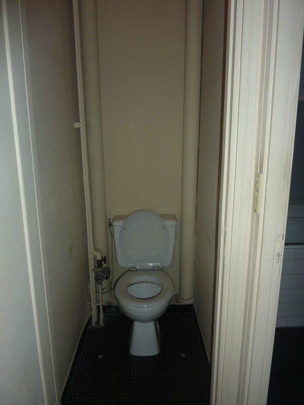 toilettes-anciennes_5600619
