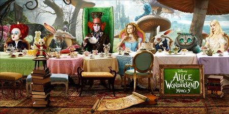 affiche_promotionnelle_du_film_de_tim_burton_alice_in_wonderland_630_630