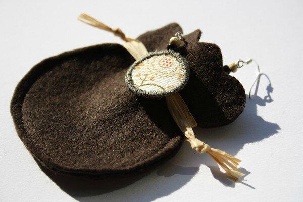 Boucles d'oreilles beige tissu feutrine lalilalo créations et récréations (7)
